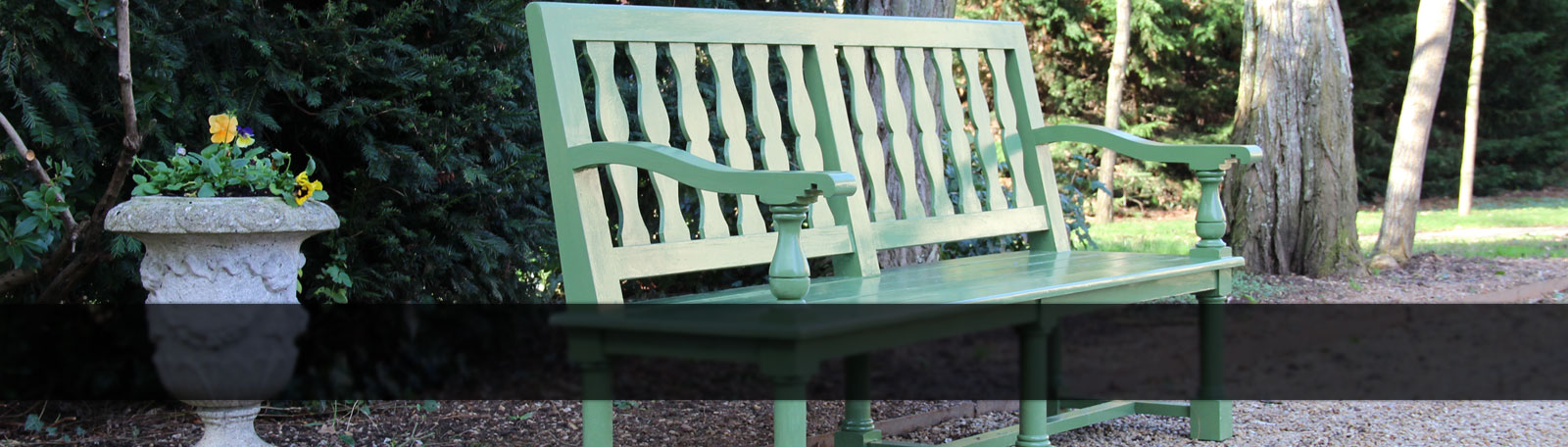 1760 bench: garden furniture